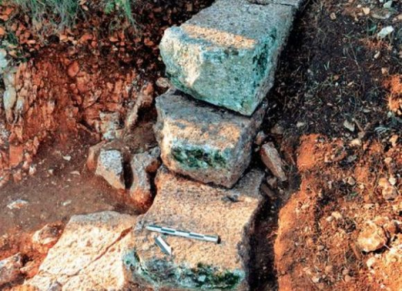 AN ANCIENT THEATRE HAS BEEN DISCOVERED ON LEFKADA'S SURROUNDINGS